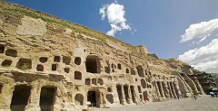 2 Day private Datong tour including Yungang Grottoes, Huayan Monastery, Nine Dragon Screen, Hanging Monastery, Yingxian Wooden Tower.